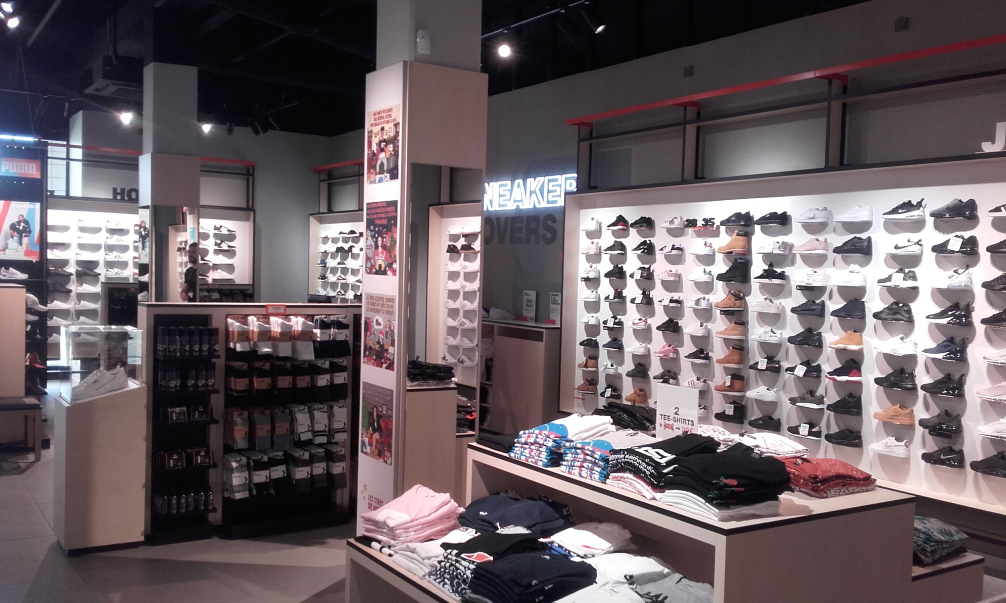 6f7ba4a14d2 Plus de boutiques Univers Chaussures - Maroquinerie.